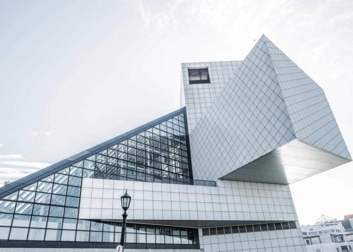 تصميم المباني الخضراء وتقنيات البناء