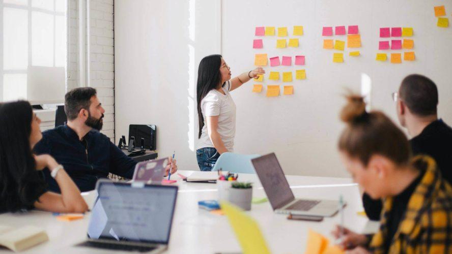 إدارة التغيير الاستراتيجي لمديري الموارد البشرية
