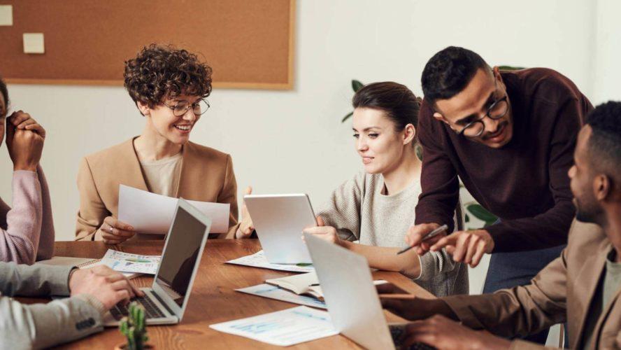 الدورة المتقدمة في التواصل الداخلي الفعال ومشاركة الموظفين