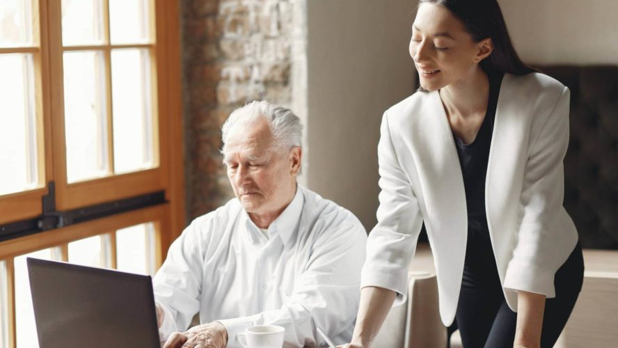 أفضل الممارسات لإدارة الفرق القانونية وقيادتها داخل الشركة