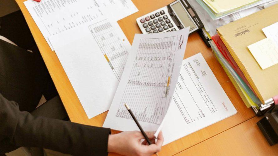 تطوير سياسات وعمليات الشراء وعمليات اتفاقية مستوى الخدمة